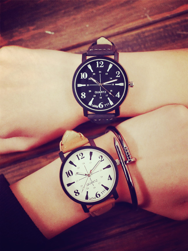 2017 New Korean Fashion Simple Style black brown Lovers leather Watch Luxury Women Quartz Watch Table