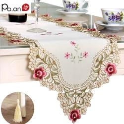 O corredor de mesa pastoral bordou a flor deixa a tabela oca do poliéster cobre a decoração dustproof da tabela para a festa de casamento em casa pa. an