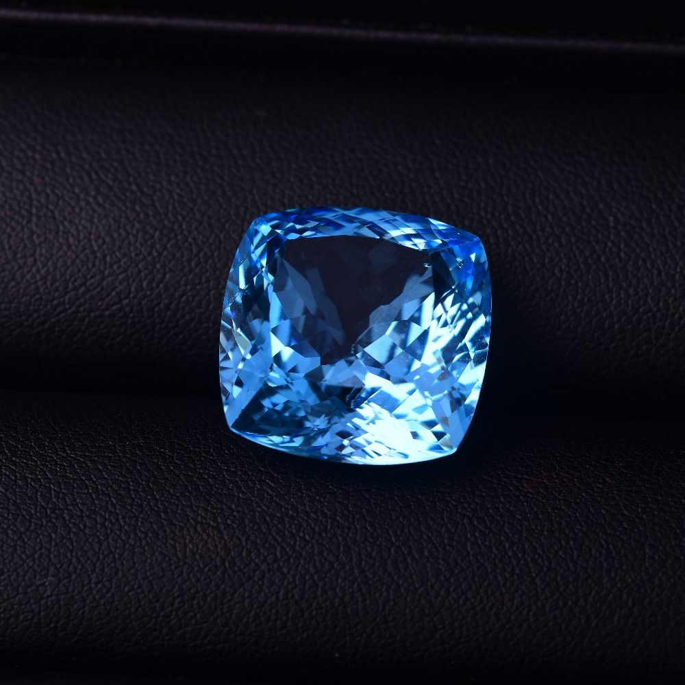 40 ct Blue Topaz 19.4mm*19.4mm*12.4 mm Perfect quality gemstones.