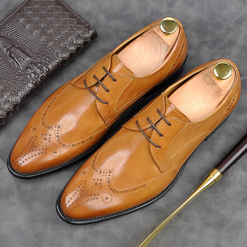 New Luxury Genuine Leather Formal Dress Modern Wingtip Brogues Shoes Pointed Toe Mens Carved Wedding Oxfords For Bride AM154New Luxury Genuine Leather Formal Dress Modern Wingtip Brogues Shoes Pointed Toe Mens Carved Wedding Oxfords For Bride AM154
