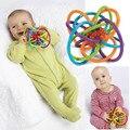 2017 new baby toys chocalhos desenvolver a inteligência toys 0-12 meses do bebê brinquedo bola sino bebê agarrar mão de plástico sino chocalho