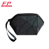 2017 New Geometric Zipper Cosmetic Bag Women Luminous Makeup Bag Ladies Cosmetics Organizer Folding Travel Make