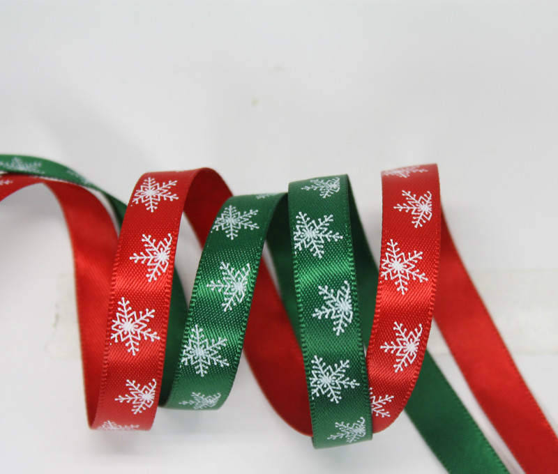 100yards a roll 9mm width snowflake Christmas style red green ribbon Decoration party Holiday party supplies DIY accessories in Ribbons from Home Garden
