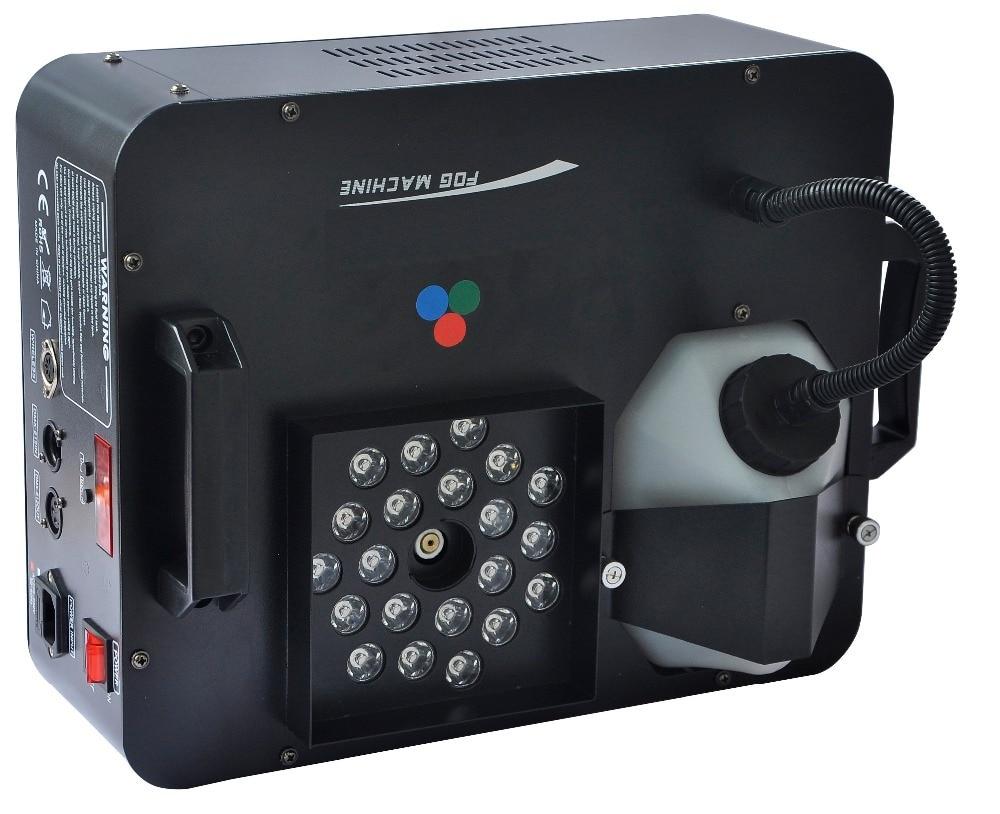 Promotion 2018 a mené la Machine de fumée 1500W brouillard Hazer Machines DMX512 Pyro à travers l'équipement Vertical d'éclairage d'étape de DJ avec à distance