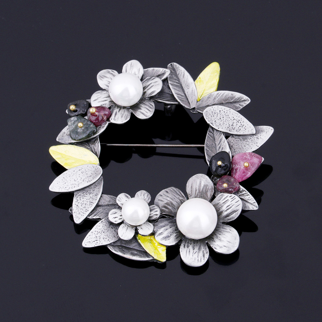 Vintage Flower With  Pearl Pins Brooch