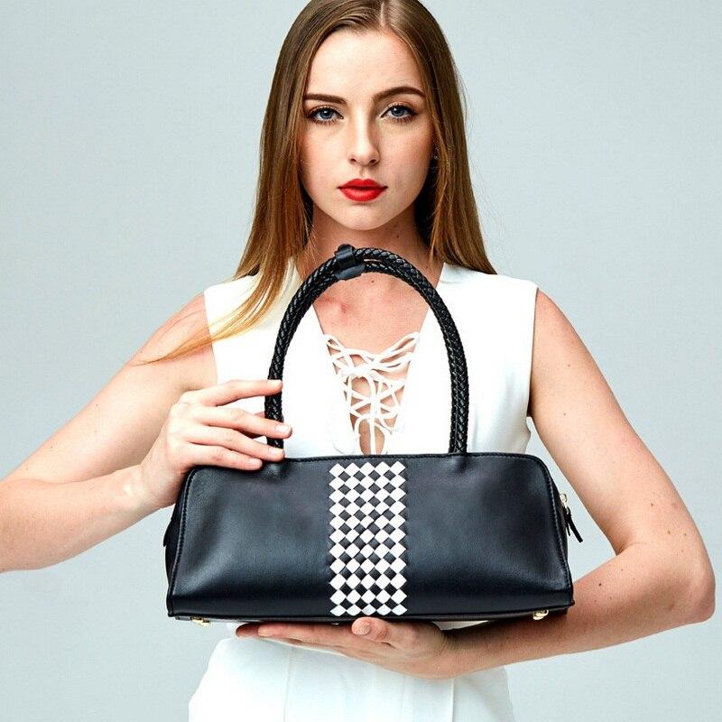 8d9e2a1c464 Nouveau Automne Marque Femmes Mode Gird Boston Sac Femelle Vache Fourre-Tout  en cuir Sac Dames Bandoulière Sacs Noir Blanc Plaid Sac sac à main