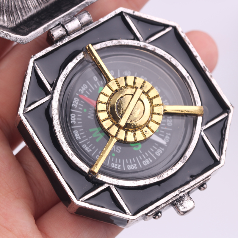 Pirates of the Caribbean Compass Necklac Dead Men Tell No Tales Salazar's Revenge Jack Sparrow's Compass Necklaces For Men Fans