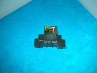 1PC USED IDEC relay SJ2S-05b + RJ2S-CL-D24