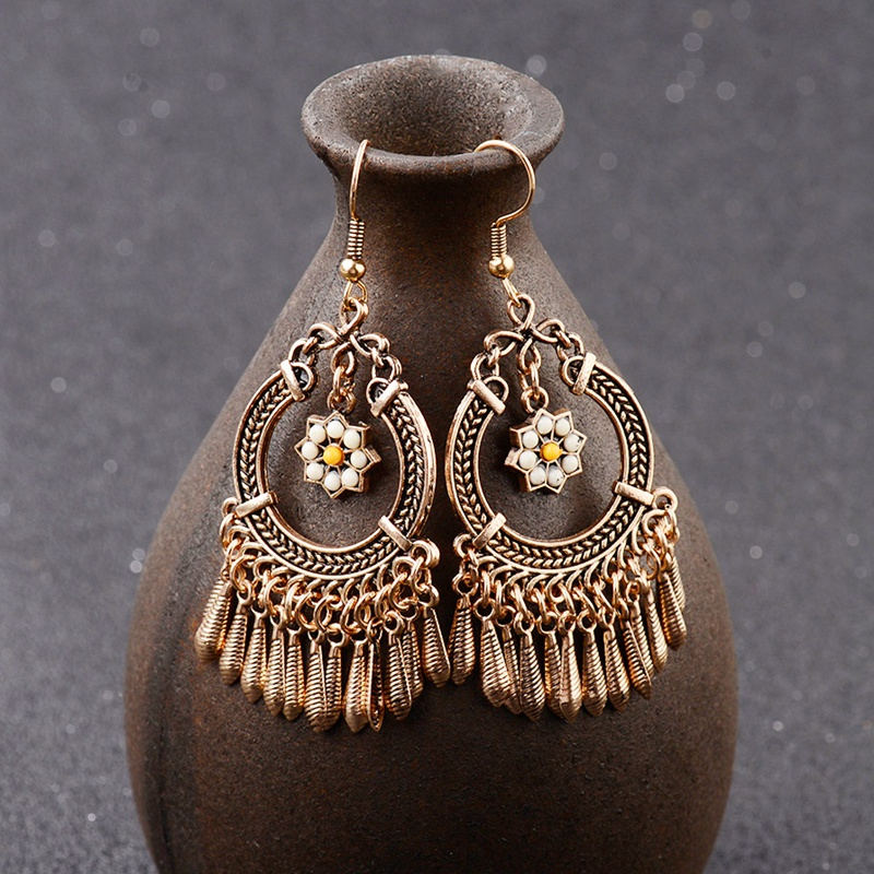 2020 perempuan Perunggu / Warna Silver Vintage Etnis Jhumka Jhumki Earrings Perhiasan India Selatan Bohemia Boho Earrings HQE310
