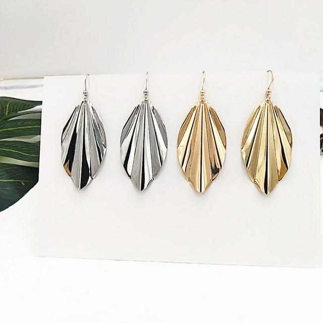 Timeless Wonder New Chic Folded Leaf Statement Drop Earrings Pop Brincos Runway Top Gown Stunning Simple