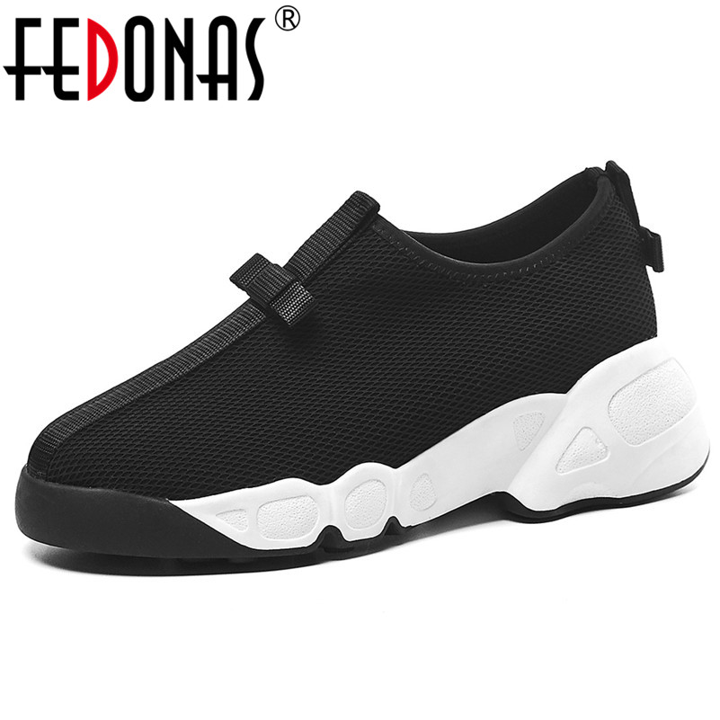 FEDONAS 2020 Spring Summer New Comfortable Breathable Mesh Women Flats Slip On Shallow Women Sneakers Sports Casual Shoes Woman