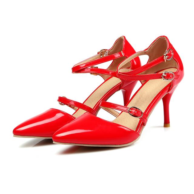 Estilo de Corea Del sur dulce sexy punta estrecha bombas de moda cinturón de hebilla de color beige rojo negro zapatos de tacón alto de las mujeres gran tamaño 21.5 ~ 28 cm