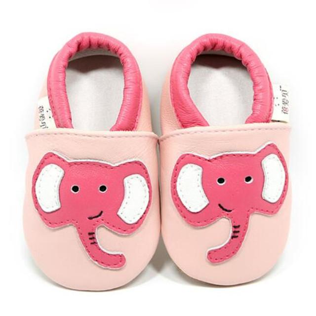 Cuero suave de Los Bebés Zapatos Infantiles Niñas Cuero Genuino Elefante chinelo Zapatillas Primeros Caminante infantil chausson enfant cuir
