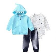 Комплект для маленьких мальчиков с рисунком акулы, пальто с капюшоном и длинными рукавами синий+ боди+ штаны в полоску, коллекция года, Осенний модный костюм для новорожденных, Одежда для новорожденных