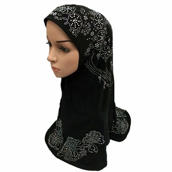 Deluxe Muslim Islamic Hijab Scarf Woman Amira Cap Fashion Beautiful  Rhinestone Ready to Wear 82f24c2e832b