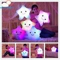 Nova alta qualidade adorável bonito Almofadas de pelúcia travesseiro Luminosa Brinquedo de Natal do Diodo Emissor de Luz Quente Estrelas Coloridas crianças Brinquedos de Presente de Aniversário