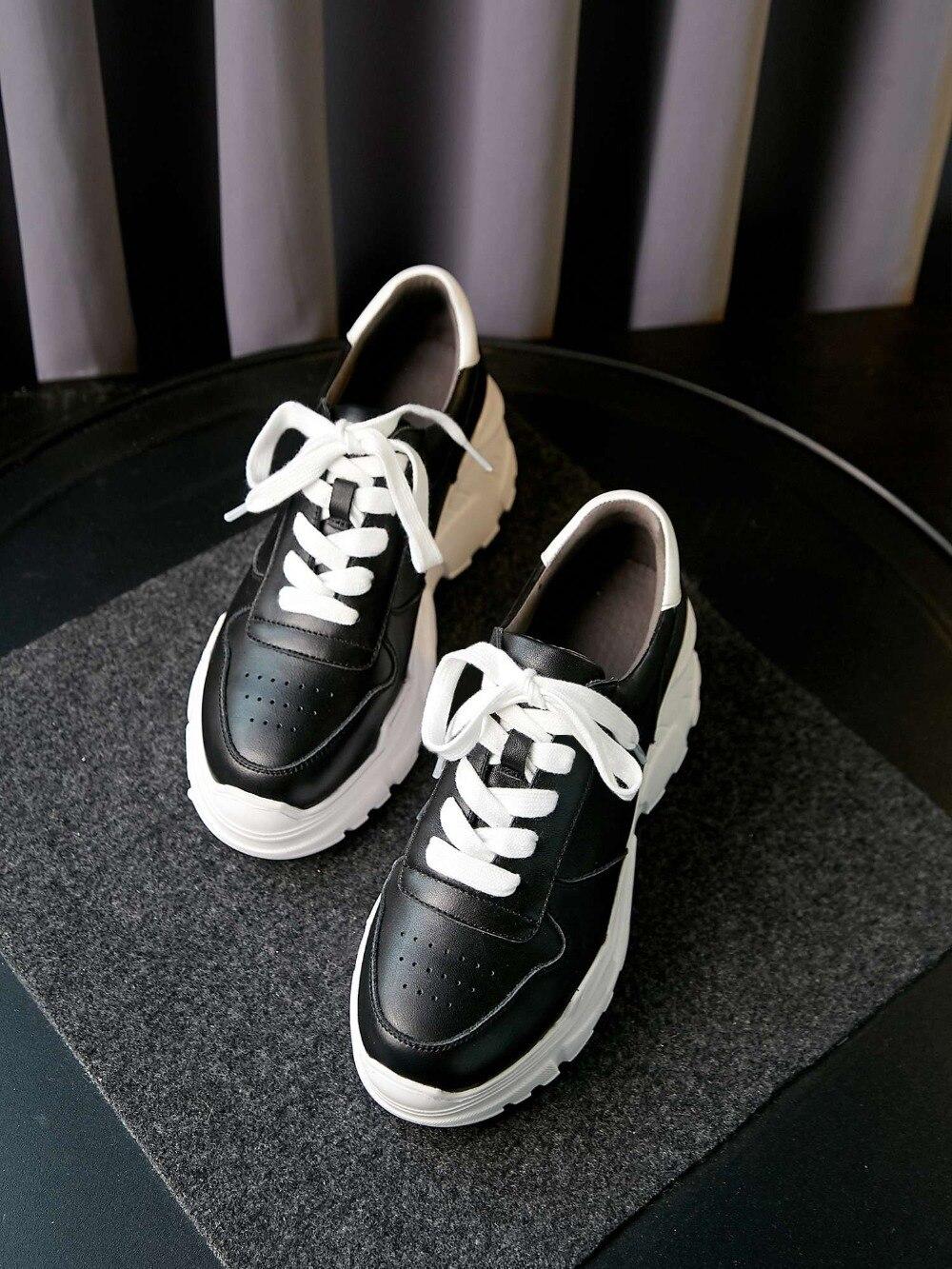 Ayakk.'ten Vulkanize Kadın Ayakkabıları'de 2019 muhtasar tam tahıl deri yuvarlak ayak kalın yüksek alt platform koşu ayakkabıları gündelik giyim lace up vulkanize ayakkabı L7f2'da  Grup 3