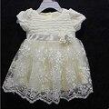 Белое кружевное платьице для маленьких принцесс.