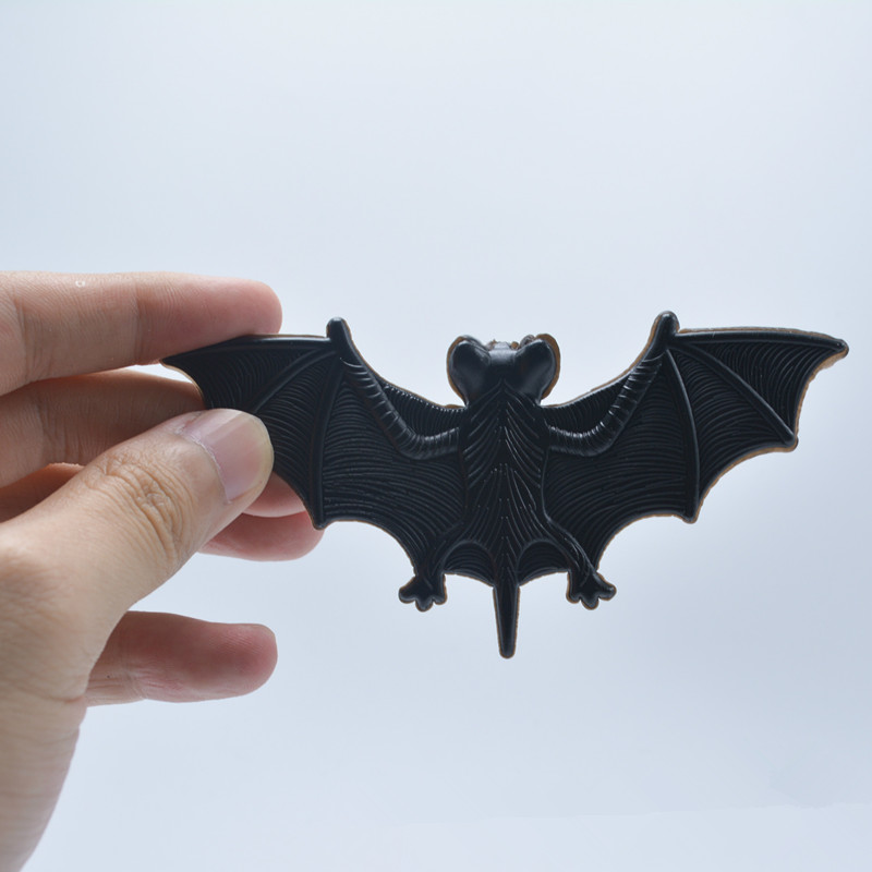 5pcs Plastic Fake Tricky Bat Halloween Decoration Supplies Funny Spoof Toys Soft Imitation Fake Bat Toys Halloween Funny Joke