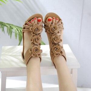 Image 2 - TIMETANG Sandalias de gladiador para mujer, zapatos de plataforma a la moda, con tacones medios y Punta abierta, informales, de cuero suave, novedad de verano