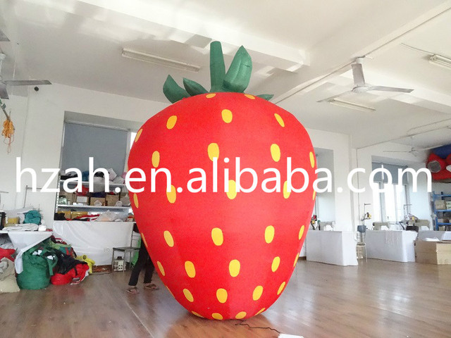 Giant Inflatable Strawberry Balloon For Advertising Decoration