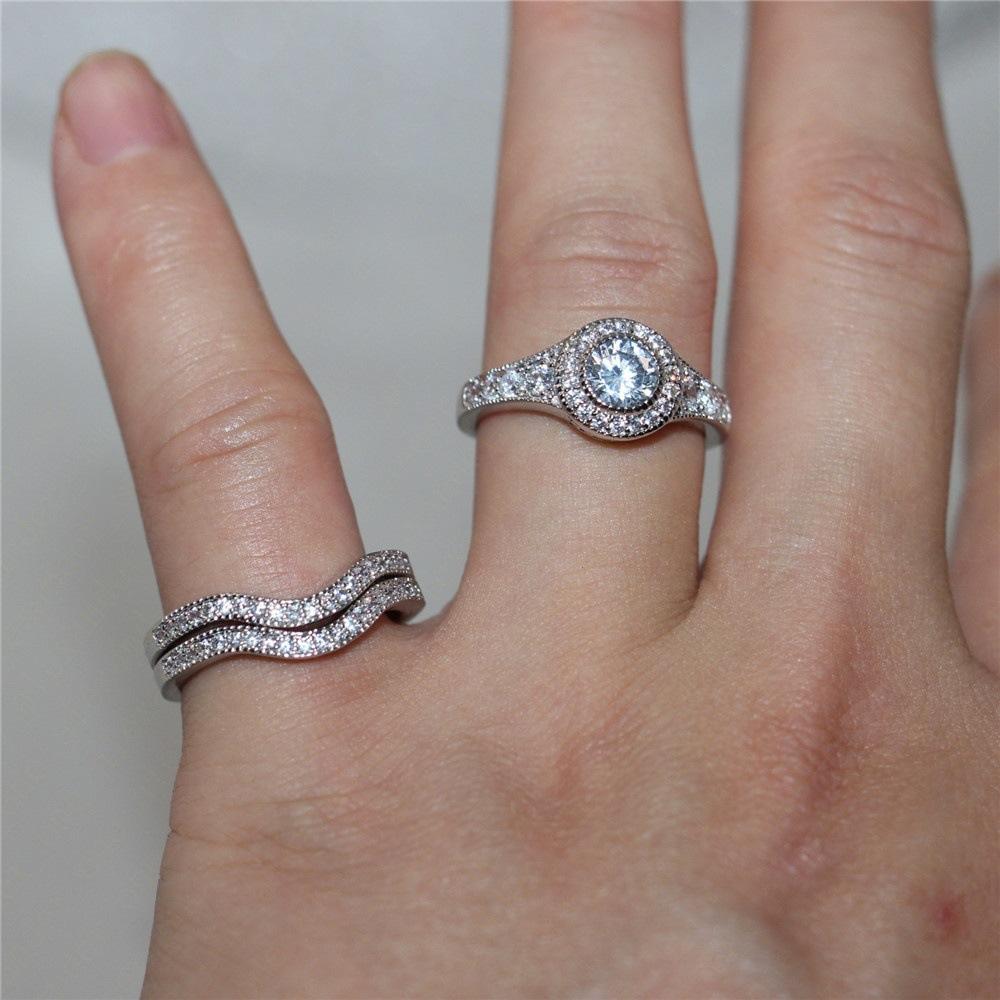 Женский комплект обручальных колец серебристый циркониевый камень