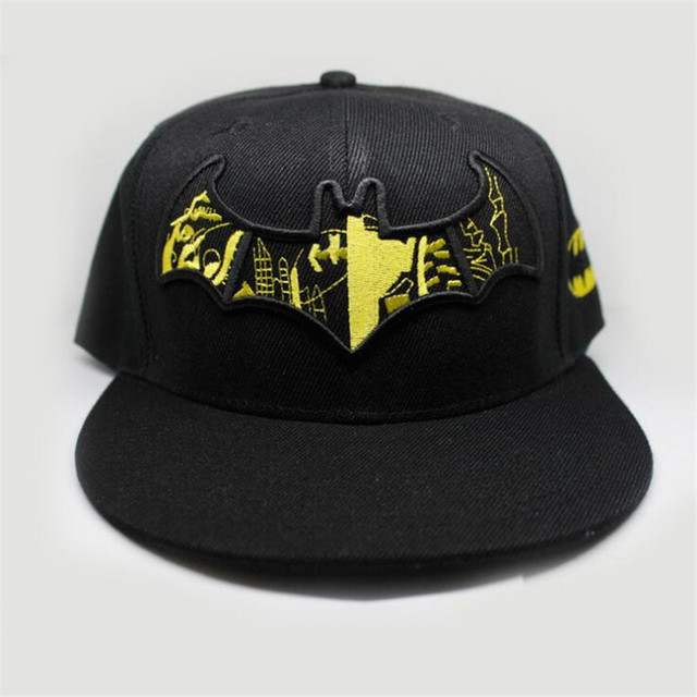 кепка с логотипом Бэтмен