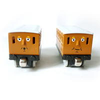 T0142 Diecast Magnetic THOMAS And Friend Annie And Clarabel The Tank Engine Take Along Train Metal