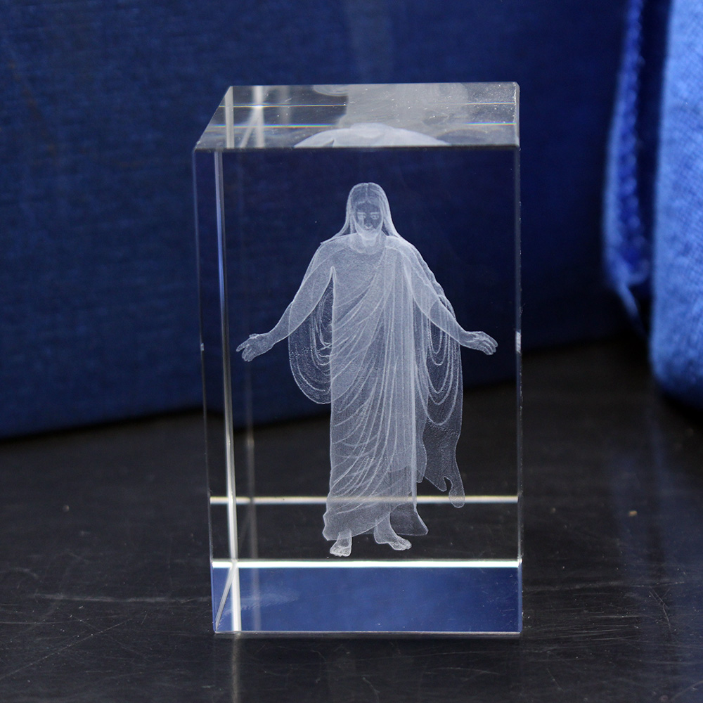 Church Souvenirs Crystal Cube Jesus 3D Quartz Crystals Laser Engraved Jesus Holy Statues Christian Decoration