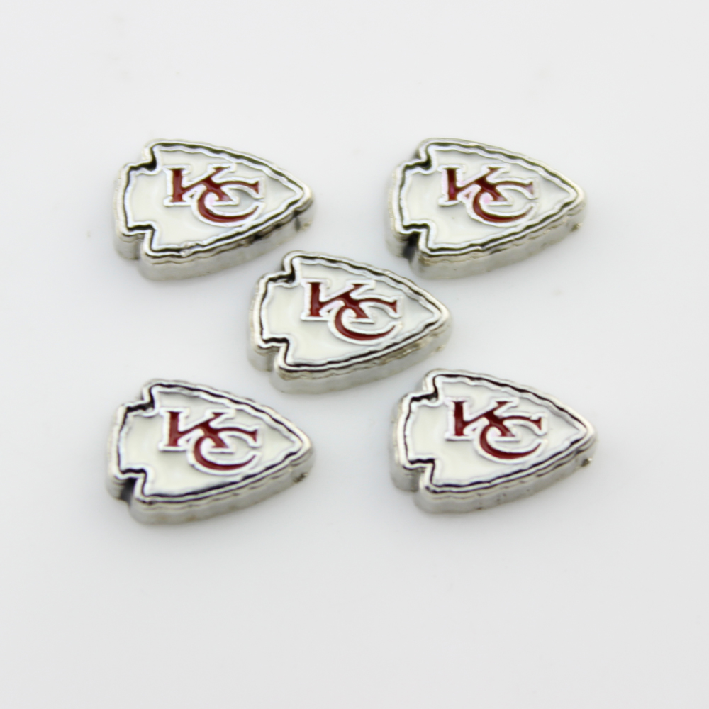 20Pcs Kansas City Charms Alloy American Football Team Logo Floating Charms Fit 30MM Glass Living Memory Locket Pendant