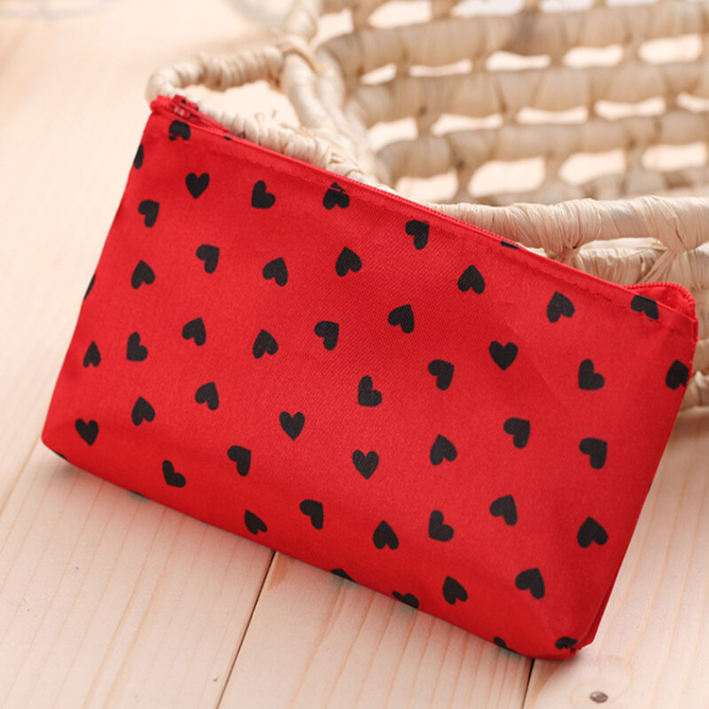 Woman Cosmetic Bags Zipper Multifunction Heart Make Up Bags Outdoor Traveling Toiletry Case Bolsa Organizer Pouch Toiletry Bag