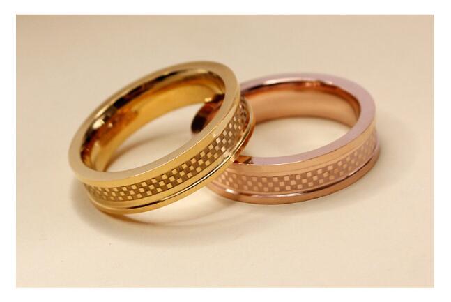 clbre-marque-de-luxe-bijoux-cramique-anneau-en-acier-de-titane-anneau-de-couples-hommes-et-femmes-18