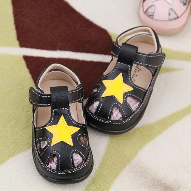 2016 Primavera Verão Novos Meninos Meninas Crianças Sapatos de Praia Sapatos de Couro Sapatos Da Moda Sandálias Do Bebê Todder Stars Hollow T-cinta 1-6