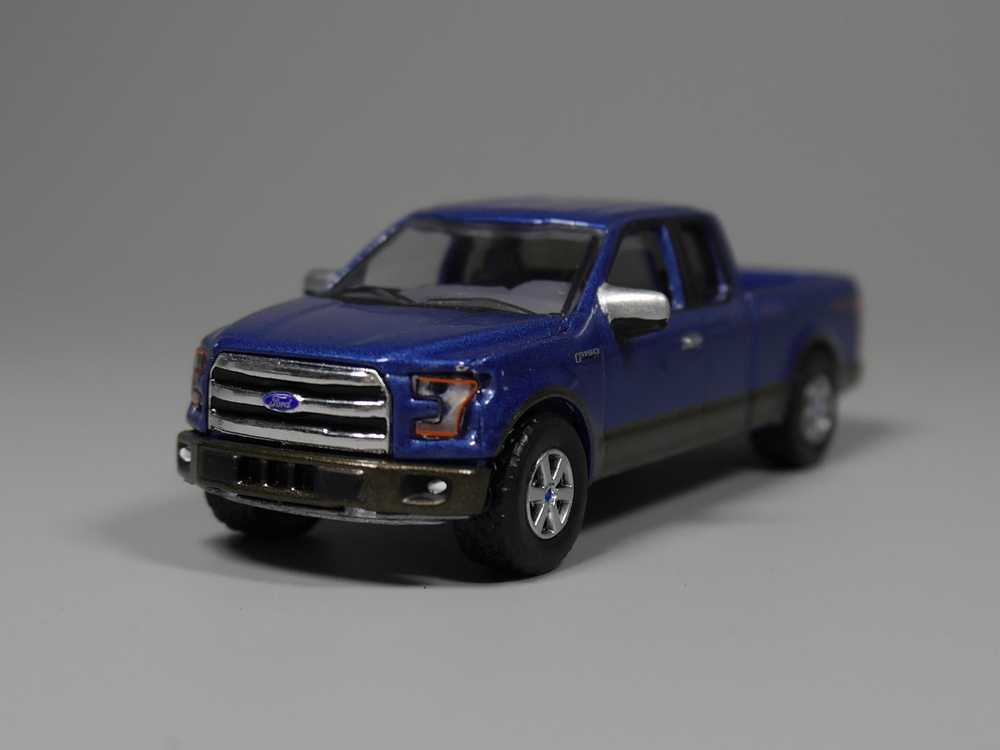 Auto Inn - Greenlight 1:64 2016 Ford F-150 4x4 Diecast car model