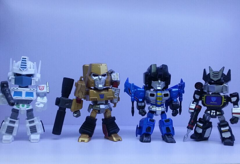 ФОТО New arrival 4pcs/set Robot Optimus Prime Bumblebee with light pvc figure toy tall 15cm in box hot sell.