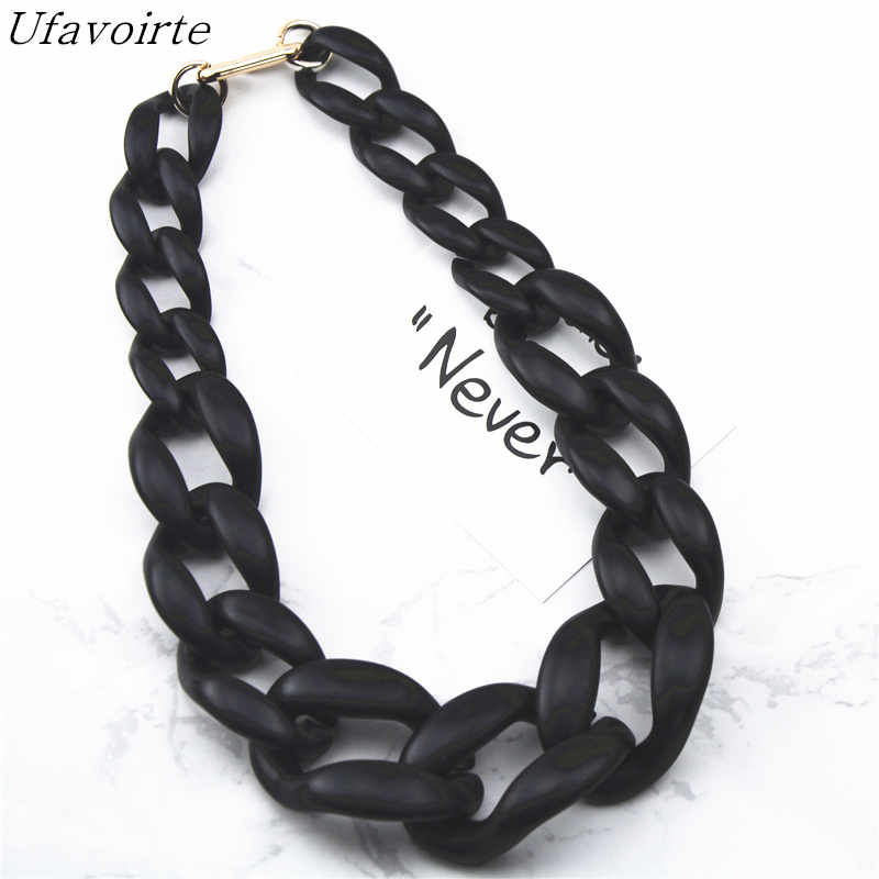 Ufavoirte 2018 New Fashion Gift High Quality Matte Acrylic Necklace Bib Statement Necklaces Colour Black White For Women Chain