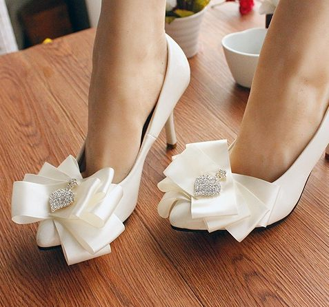ФОТО Wedding shoe white for brides thin high heel pump bridal shoes bow bowtie rhinestones point toes bridesmaid shoe in stock