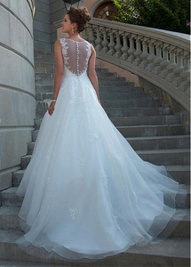 Image 3 - Chic Tulle Organza Scoop Neckline Natural Waistline A line Wedding Dress With Lace Appliques Bridal Dress vestido de novia