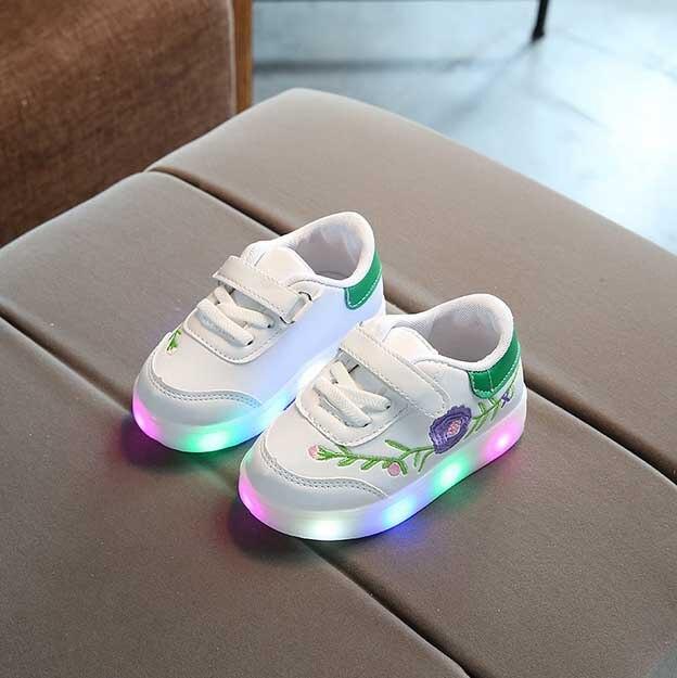 5ee71fb43fb LED de los niños flor ocio Zapatos primavera otoño nueva Bordado brillo  Zapatos niño y niña