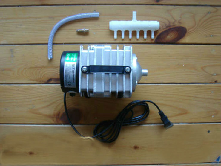 1piece NEW 70L/min 35W Hailea ACO-318 Electromagnetic Air Compressor,aquarium air pump,Fish Tank Oxygen AirPump, Free Shipping free shipping new 220v ylj 500 500l h 8w submersible water pump aquarium fountain fish tank power saving copper wire