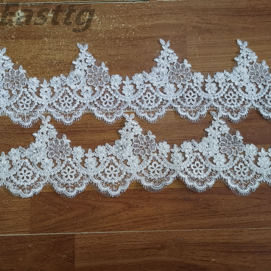 White Ivory 1 Layers Wedding Veil Lace Edge Chapel Length wedding Accessories Veils With Comb Bridal Veils