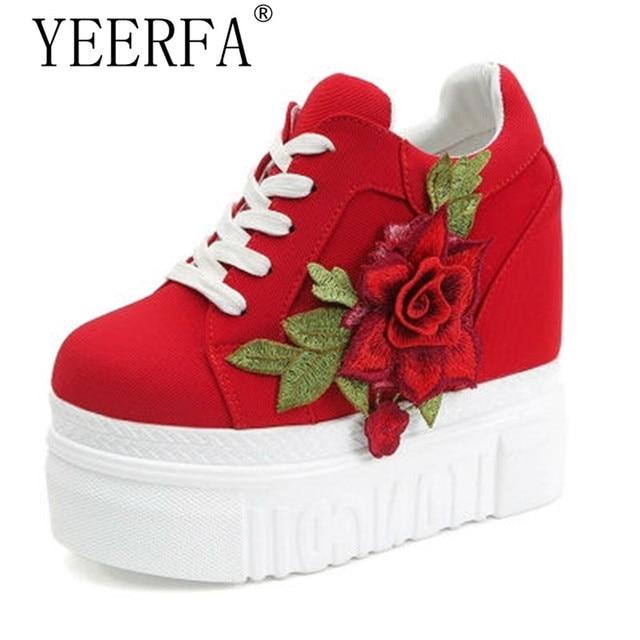 bca53bdf2a YIERFA 2017 Outono Mulher Sapatos Casuais Branco Vermelho Respirável Altura  Crescente Flor Platfrom Sapatos tenis feminino