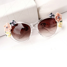Summer Oculos Vintage Retro Baroque Rose Flower Sunglasses for Women Brand Design Cat Eye Ladies Sun Glasses Gafas De Sol Mujer