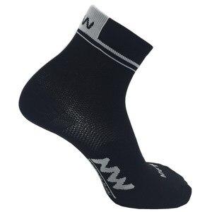 Image 4 - Sports dété courtes chaussettes de cyclisme professionnel protéger les pieds course vélos chaussettes hommes femmes