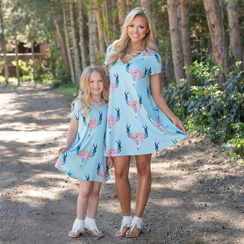 MVUPP mother daughter outfits family look 2 color floral print V-neck mom and girl matching a-line dress evening mama and baby