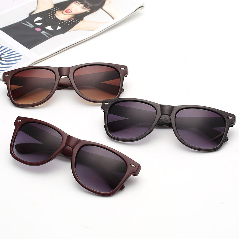 2017 Neue Trendige Sonnenbrillen Fashion Imitation Holz Sonnenbrille Männer Und Frauen Classic Retro Holz Sonnenbrille
