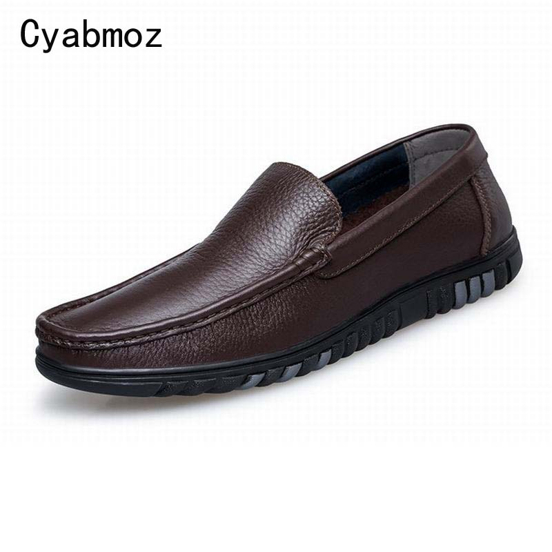 Men Loafers Casual Boat Shoes Fashion Split Leather Slip On Driving Shoes Moccasins Hollow Cut Out Flats Gommino Single Shoes split leather dot men casual shoes moccasins soft bottom brand designer footwear flats loafers comfortable driving shoes rmc 395