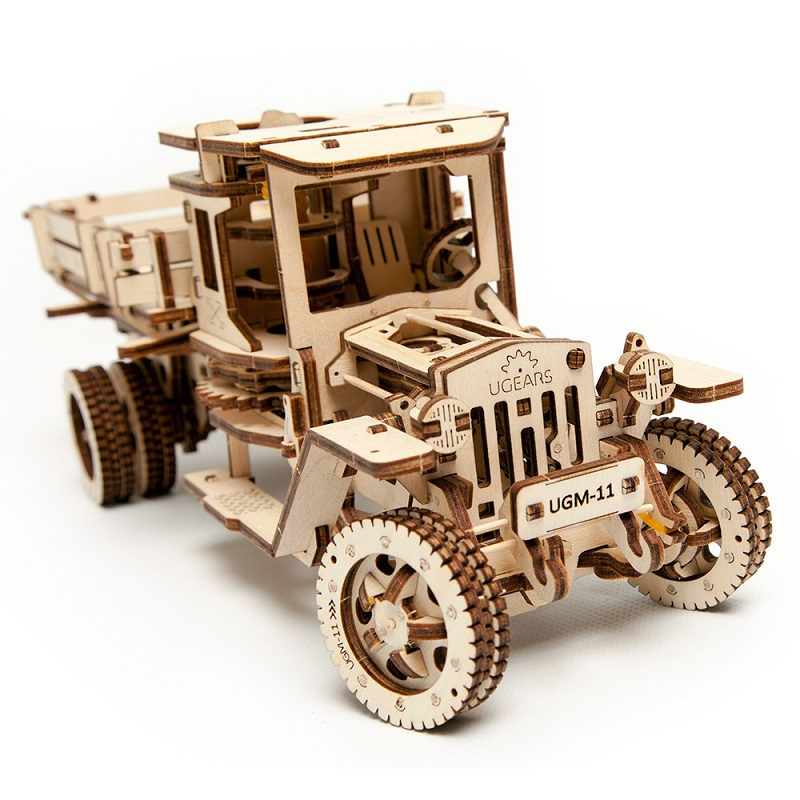 UGEARS Wood Mechanical Drive Model Handbuilt Truck Assemble Model Kit for Adult Toys