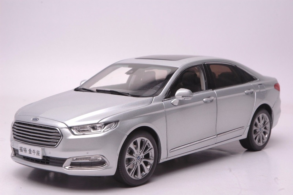 1:18 Scale Diecast Model Car for Ford Taurus 2015 Silver Alloy Toy Car Collection Gifts new 1 18 infiniti q50 q50s 2015 white diecast model cars hot selling alloy scale models limited edition
