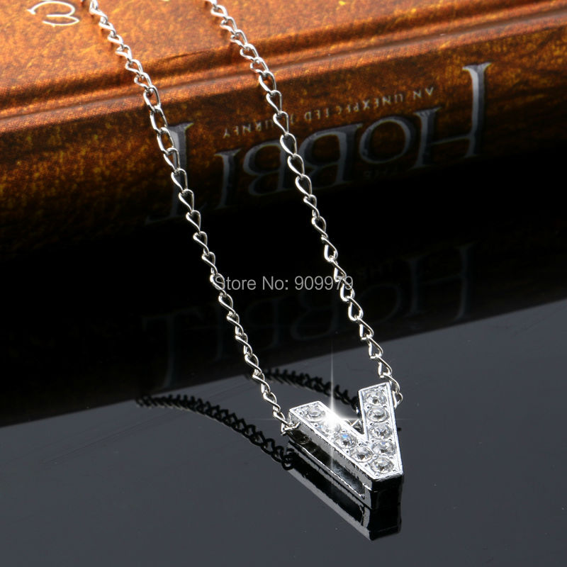 V Letter Word Pendant Necklace Crystal Zinc Alloy Jewelry Victory Personalized Charm Unique Choker Party Gifts Family In Chain Necklaces From Jewelry
